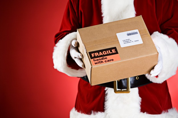 4 Ways Shipping Fulfillment Services Get Ready for Holiday Season GlobeCon Freight
